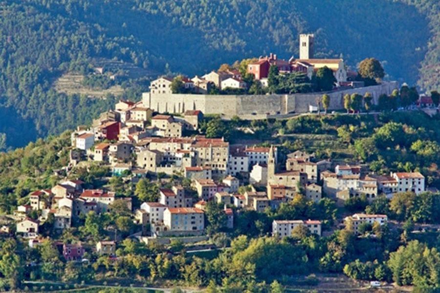 כפר ימי בינימי באיסטריה